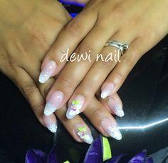 Nail glitter almond
