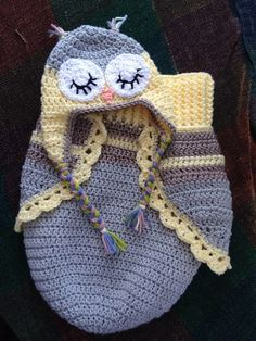 Crochet 3 Button Baby Owl Cocoon & Hat with free pattern