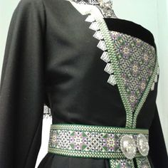 Bunad#vinter#bringeduk#belte#vinterbunad# Hardanger# Bunadsbua #Øystese Folk Costume, Costumes, Mother Family, Character Inspiration, Norway, Fashion Looks, Embroidery, Bergen, Scandinavian