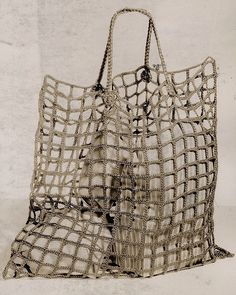 """Gefällt 575 Mal, 11 Kommentare - Sadie Perry (@by__sp) auf Instagram: """"Shopping bag used by English women during World War II, 1942 🖤🔍📔"""""""