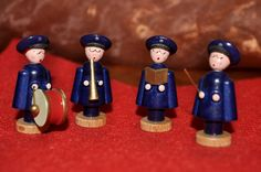By buying these handmade, traditional German Salvation Army figurines you can support the work of the Salvation Army in Chemnitz. Chemnitz is located on the boundaries of the Ore Mountains where the famous nutcrackers originate from. Find further info at: www.heilsarmee.de/ore-mountains-figurines