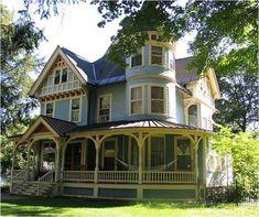 I love Victorian houses