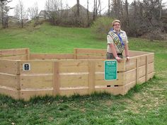 A Pickerington boy will be honored this month for his work to become an Eagle Scout, including a project that resulted in a GaGa Ball pit in Sycamore Creek Park. Backyard Games, Backyard Projects, Outdoor Games, Outdoor Fun, Eagle Scout Project Ideas, Natural Playground, Playground Ideas, Outside Games, Scout Camping