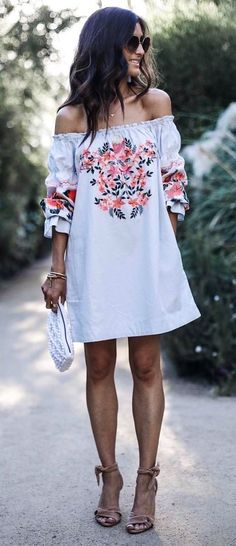 7 Amazing Spring and Summer Outfits to pack now Gorgeous! More Colors – More Summer Fashion Trends To Not Miss This Season. The Best of summer outfits in Mode Boho, Mode Chic, Mode Style, Passion For Fashion, Love Fashion, Womens Fashion, Fashion Trends, Style Fashion, Dress Fashion