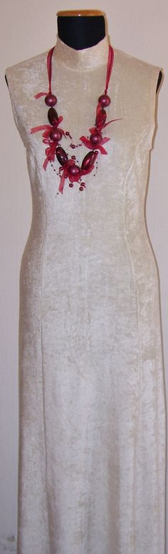 Vestido de línea básica