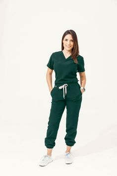 Cute Medical Scrubs, Cute Scrubs, Spa Uniform, Scrubs Uniform, Dental Uniforms, Stylish Scrubs, Scrubs Outfit, Greys Anatomy Scrubs, Womens Scrubs