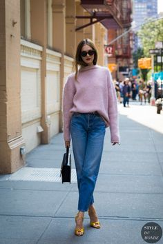 NEW MODEL LOOK Street style outfit ootd fashion style models style beautiful girls New York Street Style, Street Style Chic, Street Style 2018, Street Style Looks, New York Style, Plaid Outfits, Heels Outfits, Casual Outfits, Fashion Outfits