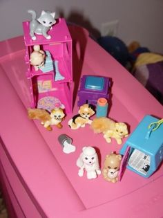 Vintage Littlest Pet Shop. Yep, had a couple of these ones.. we for sure ha the little blue pet taxi! Kelsey found a toad and we carried it around in that lol! She named the toad Seneca!