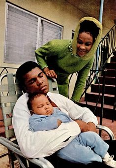 Muhammad Ali with his wife Belinda and daughter Maryum, 1969.