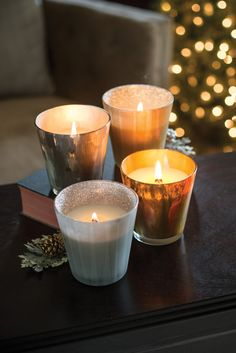 Świece świąteczne  / Christmas candles Wood Wick Christmas Cake, Gold Spun Sugar oraz Glitter Glass - Christmas Cake, Mint Truffle