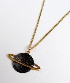 Saturn necklace by Après Ski.