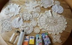 Lay doilies on baking sheets to steal her grandma's stunning dining room idea Thanksgiving Table Runner, Burlap Table Runners, Lace Doilies, Doily Art, Doilies Crafts, How To Make Diy, Lace Making, New Blue, Painting Cabinets