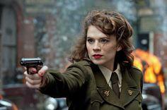 captain america winter soldier pics | Agentin Peggy Carter (Hayley Atwell) kann gut auch allein ihren Mann ...