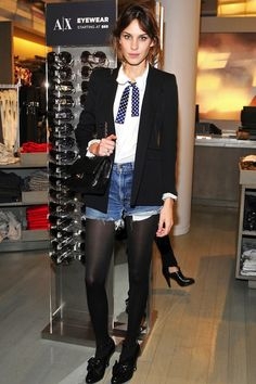 20 LOOKS COM SHORT JEANS DE ALEXA CHUNG - Juliana Parisi - Blog