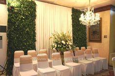 dekorasi yg simple namun elegan Wedding Prep, Wedding Stage, Indonesian Wedding, Head Tables, Wedding Decorations, Table Decorations, Engagement Ideas, Green Wedding, Knot