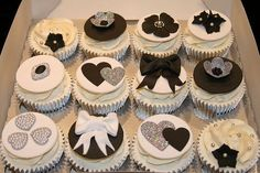 Black White Silver Heart Bow and Floral Cupcakes White Wedding Cupcakes, Black And White Cupcakes, Silver Cupcakes, Pretty Cupcakes, Beautiful Cupcakes, Bling Cupcakes, Elegant Cupcakes, Glitter Cupcakes, Yummy Cupcakes