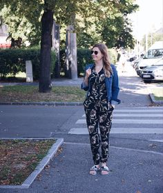 Fashion IT-Piece: Jumpsuit Daisies, Outfit, Overalls, Jumpsuit, Glitter, Cartoon, Pants, Fashion, Gowns