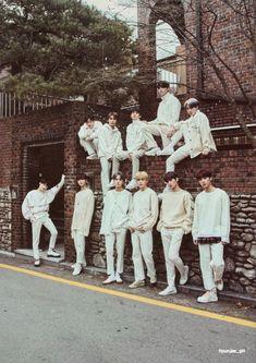 Changmin The Boyz, Group Pictures, Kpop Guys, Youngjae, Jaehyun, Cute Guys, Boy Groups, Poses, Bts