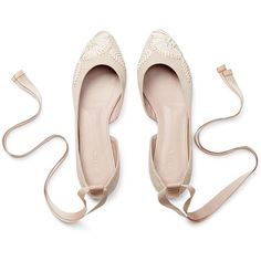 EMBROIDERED POINTED BALLET FLAT (1.805 BRL) ❤ liked on Polyvore featuring shoes, flats, scarpe, ballet flats, pointed ballet flats, embroidered flats, ballerina pumps and flat shoes