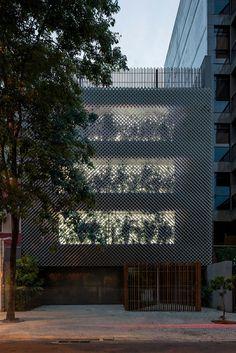 Gallery of Aníbal Building / Bernardes Arquitetura - 2
