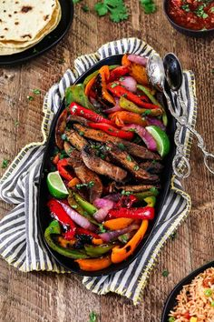 Get your weeknight sizzling In just 30 minutes with these Portobello Vegan Fajitas. They are spicy, smoky, subtly sweet and robust! The flavors come together when the seared veggies meet the homemade fajita sauce. It's mouth-watering good! Veggie Recipes, Mexican Food Recipes, Whole Food Recipes, Cooking Recipes, Fajita Recipe, Vegan Vegetarian, Vegetarian Recipes, Healthy Recipes, Gastronomia
