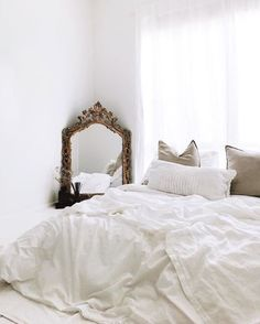 White linen, textiles, mirror, bedroom, minimalistic bedroom #MinimalistBedroom