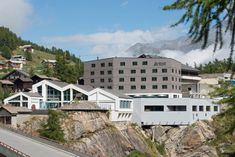 Saas-Fee - wellnessHostel 4000 - A world first for the glacier village of Saas-Fee. Conceived in the innovative tradition of the pioneers of Alpinism and rea. Saas Fee, Double Room, Bergen, Hostel, Florence, Switzerland, Wellness, Outdoor, Mansions