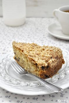 Vegan Αpple Ηalva Coffee Cake with Crumb Topping. A delicious and nutritious way to start your day! Greek Sweets, Greek Desserts, Cupcakes, Cupcake Cakes, Egg Free Desserts, Meals Without Meat, Cooking Cake, Vegan Cake, Delicious Vegan Recipes