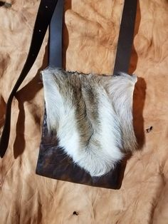 Deer brisket Hunting pouch by Eddie Rector ... Cant-tu-kee hunting pouches on Fb