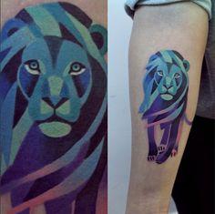 This blue lion by Sasha Unisex