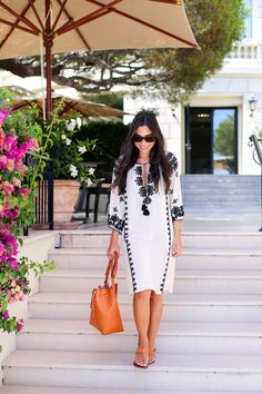 Hit the beach or the pool in style with a beautiful caftan cover-up! Kat Tanita of With Love From Kat wears a Figue embellished kaftan to lunch at Cap Ferrat hotel on the French Riviera. Folk Fashion, Womens Fashion, Fashion Trends, Estilo Folk, Ethno Style, Embroidered Clothes, Embroidered Tunic, Dress To Impress, Summer Outfits