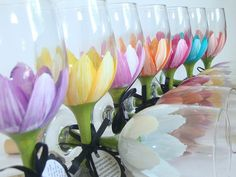 Bridal party hand painted wine glasses Great DIY – fun little spring design for wine glasses. Wine Glass Crafts, Wine Bottle Crafts, Hand Painted Wine Glasses, Tulip Wine Glasses, Diy Glasses, Champagne Glasses, Spring Design, Bottles And Jars, Do It Yourself Home
