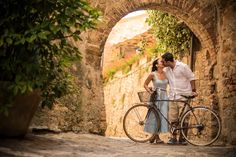 Engagement Photos- Tuscany, Italy  www.mattkennedy.ca  International Wedding Photographer based in Vancouver, BC