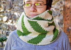 Ravelry: Pfeil circle scarf pattern by Anne Mende Knitting Designs, Knitting Patterns, Circle Scarf, Double Knitting, Needles Sizes, Knitting Needles, Ravelry, Needlework, Knit Crochet