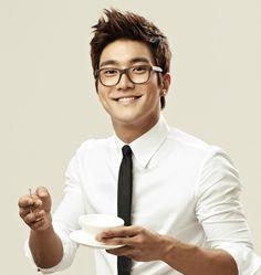 Hermosa Sonrisa de Siwon :D
