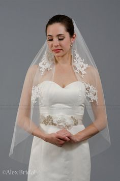 Ivory wedding veil with venice lace applique  elbow by alexbridal, $54.99