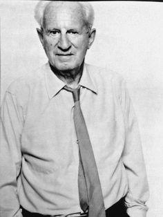 Marcuse(1898-1979), philosophe américain d'origine allemande, théoricien de la gauche radicale et membre de l'école de Francfort.