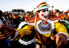 Carnaval de Barranquilla Colombia Vacations To Go, Thirty Two, Carnival Festival, Festivals Around The World, Country Landscaping, Largest Countries, Mardi Gras, Masquerade, Captain Hat