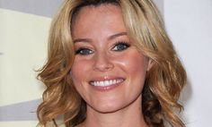 Elizabeth Banks To Host SNL
