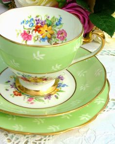 Roslyn China Old Swansea pattern vintage tea trio