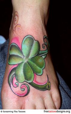 77 Irish tattoos to celebrate your appreciation for Irish and Celtic heritage: shamrock, clover, Irish cross, claddagh tattoo designs and more. Celtic Clover, Celtic Shamrock, Shamrock Tattoos, Clover Tattoos, Foot Tattoos, Small Tattoos, Tatoos, Claddagh Tattoo, Irish Tattoos