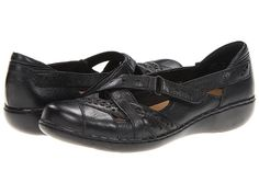 Shoes that are not sneakers, but that I can still walk two miles in! Hopefully, anyway. Black, size 9.5, D - Wide. $65
