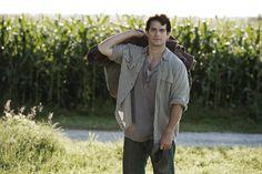 "Clark Kent (Henry Cavill) en Smallville. Filme ""El Hombre de Acero"" (Man of Steel)."