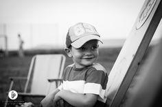Dieses Jahr durfte ich das Vater-Kinde-Zelten des Kath. Kindergarten St. Wendelin Aalen-Dewangen fotografisch begleiten und dokumentieren. Ich denke es gibt nicht viel zu sagen, die Bilder sprechen für sich. Mit ca. 50 Teilnehmern (Väter und Kinder) war es doch ein großes Abenteuer für die Kleinen.   Teil 1 der Serie findet Ihr hier:  http://clemenspriemer.de/vater-kind-zelten-des-kath-kindergarten-st-wendelin-aalen-dewangen-teil-1