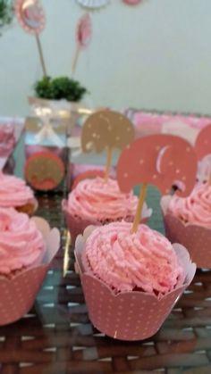 Cupcakes e toppers Elefantinhos rosa e cinza!