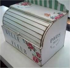 Resultado de imagen de reciclar panera de madera Decoupage, Wood Crafts, Paper Crafts, Bread Boxes, Vintage Pictures, Painting On Wood, Toy Chest, Stencils, Decorative Boxes