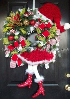 Absolutley love this Christmas wreath.