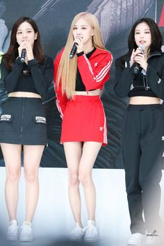 Decked in head-to-toe Adidas, Blackpink members show us how to rock the trendy athletic and casual fashion mix. Adidas Dress, Adidas Outfit, Kpop Outfits, Skirt Outfits, Yg Entertainment, South Korean Women, Mode Rose, Lisa, Blackpink Photos