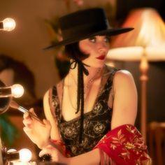 Sassy Phryne Fisher {Essie Davis} ~ Miss Fisher's Murder Mysteries