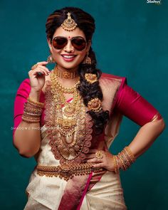 Indian Bride Poses, Bridal Sarees South Indian, Indian Wedding Poses, Indian Bridal Photos, Indian Wedding Couple Photography, Indian Bridal Fashion, Photography Couples, Bridal Photography, Indian Photoshoot